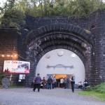 Eröffnung im Foyer des Tunnels. In den Türmen war nicht genug Platz für alle Besucher